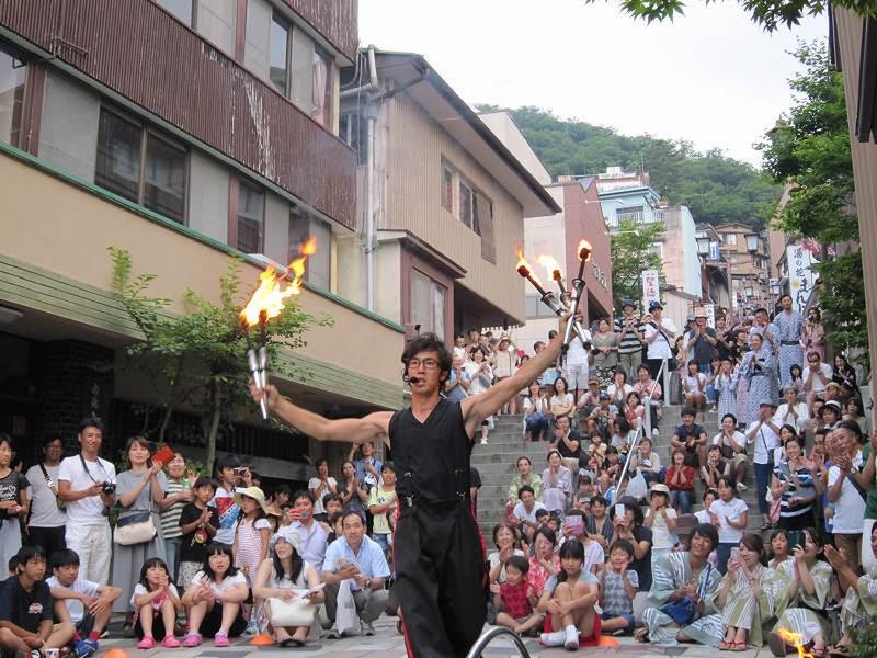 『石段街で大道芸!』 今年も開催!8月8日〜23日